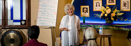 Savitri-Simpson-teaching-Meditation-Teacher-Training-day-1,-in-front-of-meditation-students