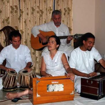 devotional-chanting