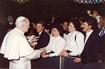 choir-at-vatican-with-pope
